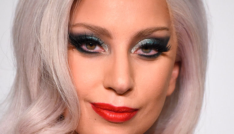 Lady Gaga da la sorpresa en show de Tame Impala