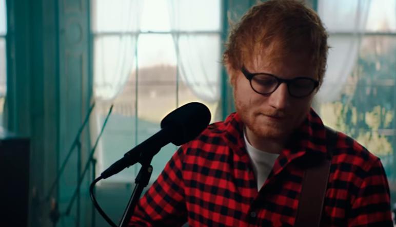 Ed Sheeran se autoregala por su cumpleaños 'How Would You Feel'