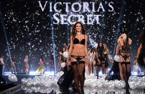 Los 'ángeles' de Victoria's Secret despliegan sus alas en Londres