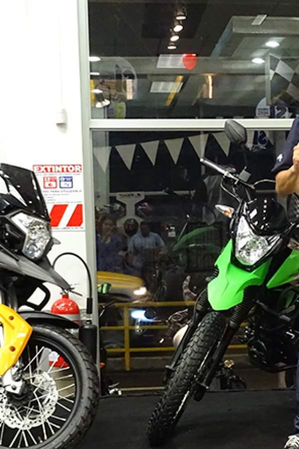 Gollo inaugura la primera agencia de motos multimarca del país