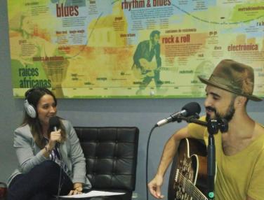 """Abel Pintos: """"La música era la única manera que tenía de expresarme"""""""