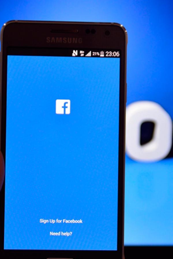 Multan a Facebook por información engañosa