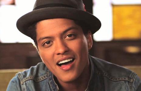 Bruno Mars dona 1 millón de dólares