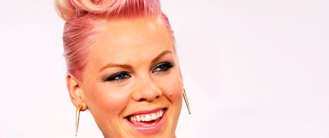 Pink sorprende con primer sencillo de su nuevo disco